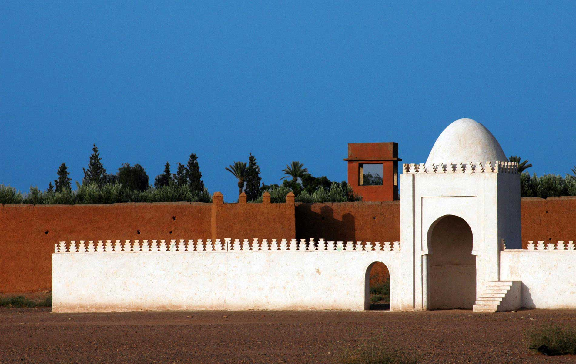 MOROCCO - Marrakech - The Red and White Wall - © Graziano Villa