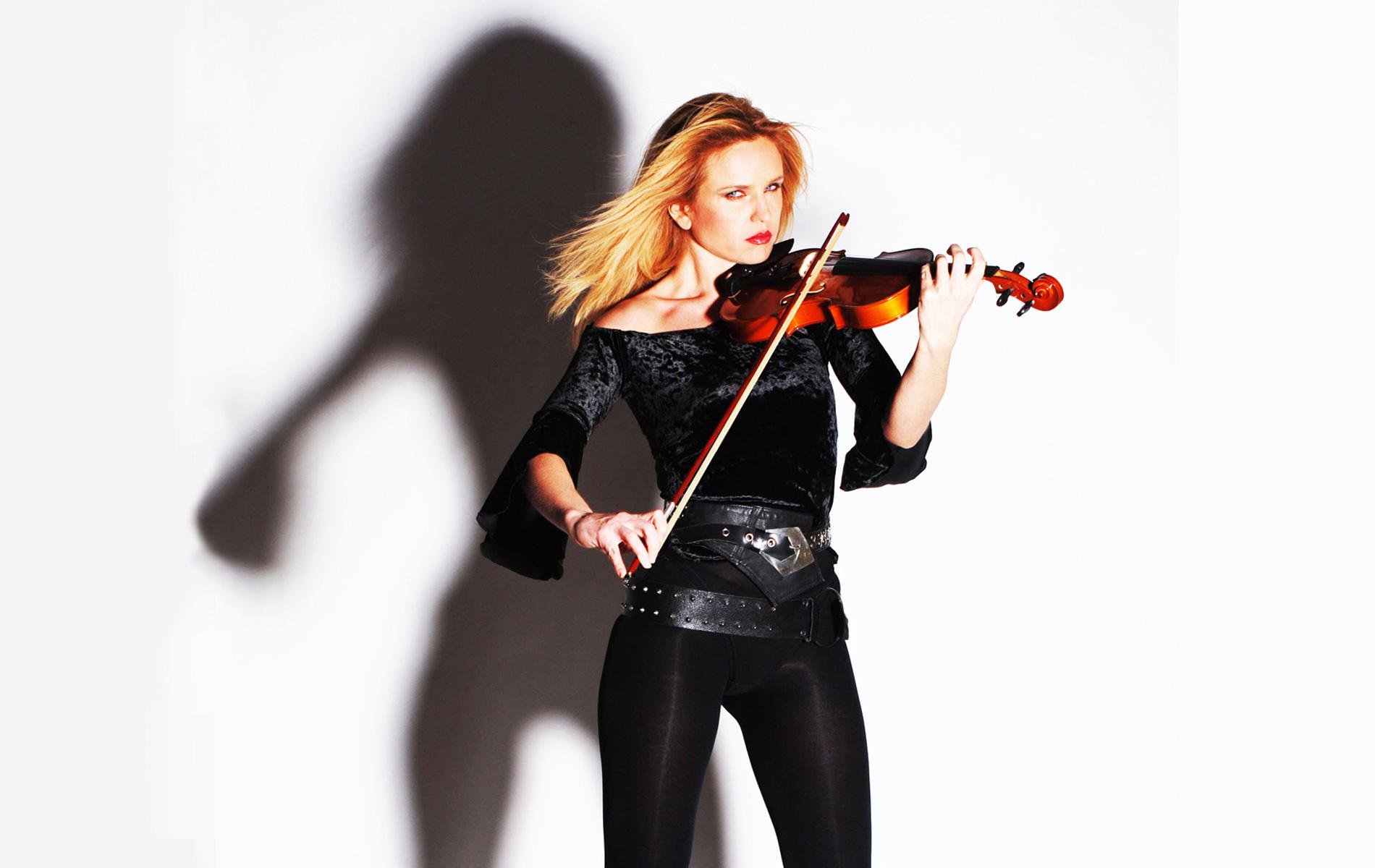 Monika MALINOWSKA - Violinist - Milan - ©Graziano Villa
