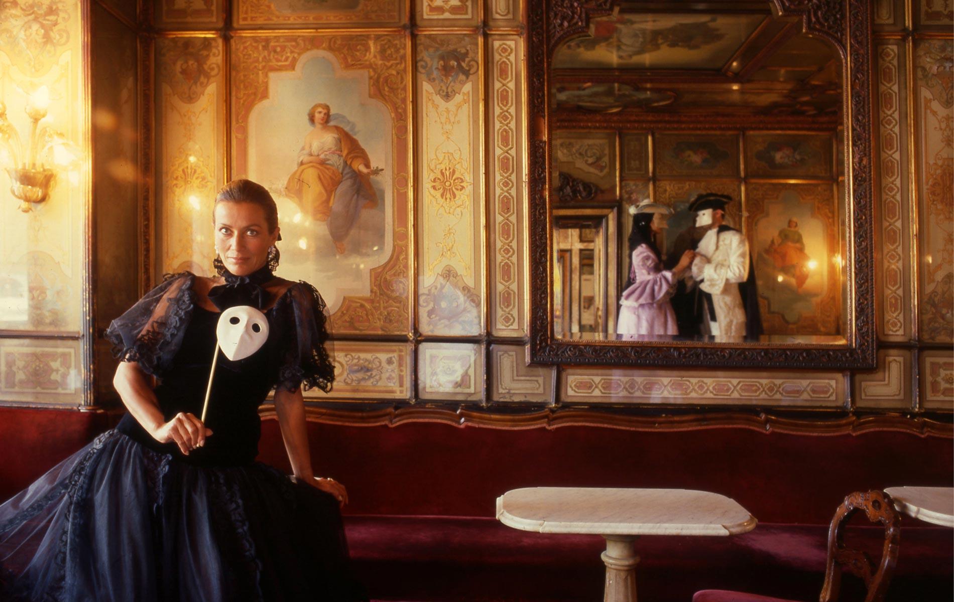 Donna SILVIA MONTI - Portraits Exhibition - © Graziano Villa